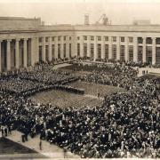 Dedication exercises in the Great Court (1916); courtesy of the MIT Museum